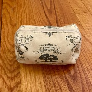 NWOT Origins Small Cosmetic Bag